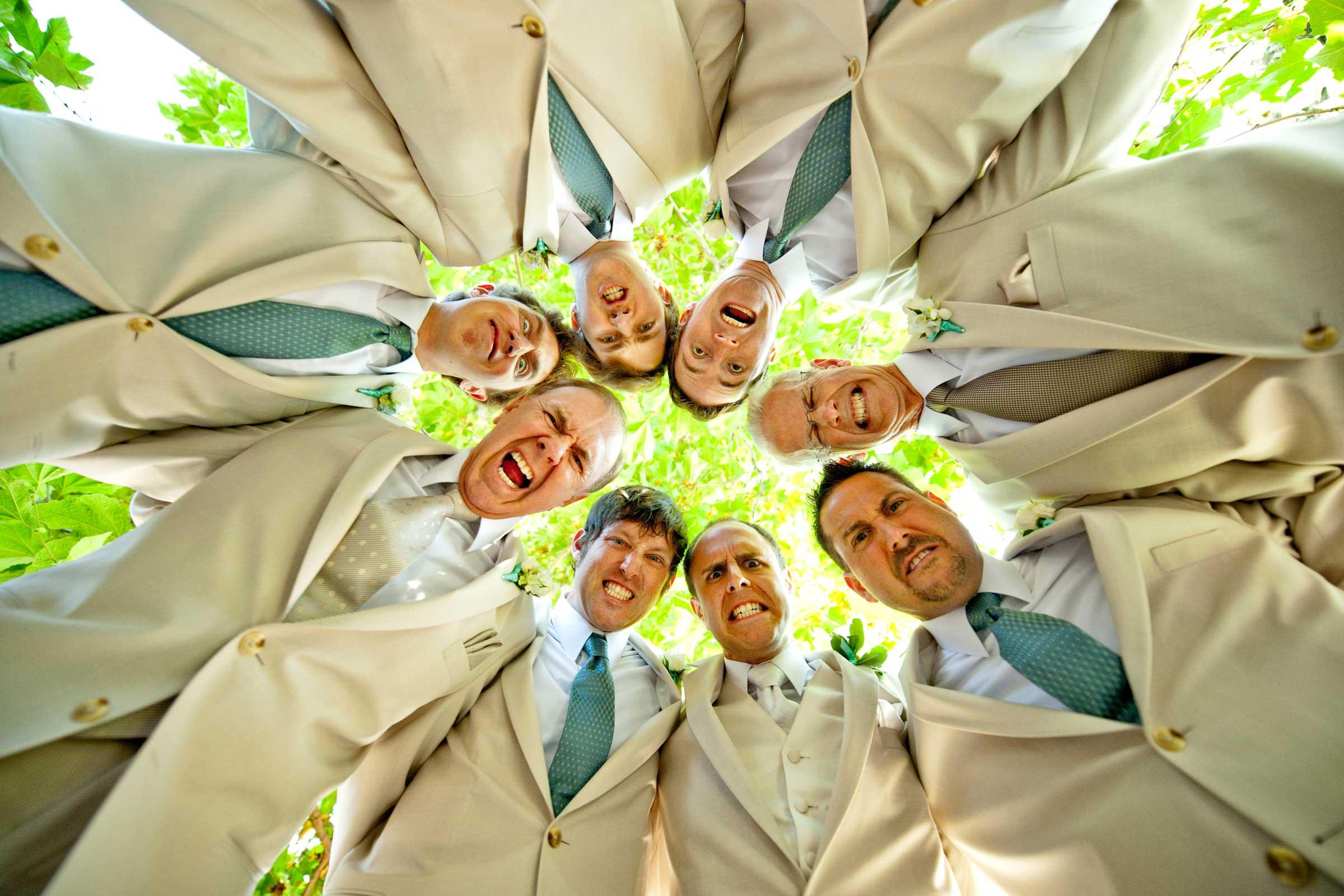 свадебные фото с друзьями жениха можно приклеивать