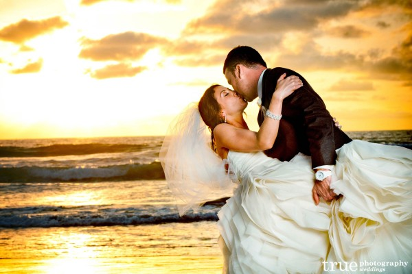 San Diego Wedding Photography: Beach wedding in San Diego at sunset