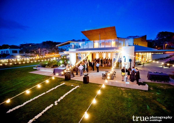 San Diego Wedding Photography: Tim Altbaum Productions provides Dj and lighting to wedding at Scripps Seaside Forum