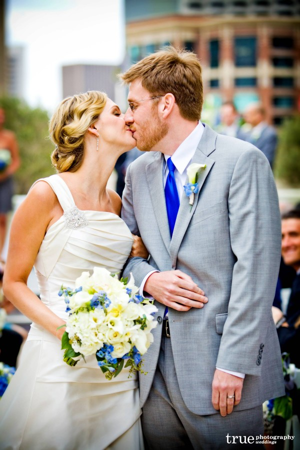 Downtown Wedding in San Diego with flowers by Elegant Touch Floral Designs