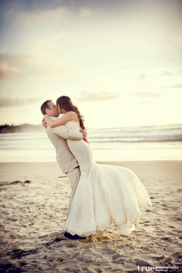 Bride and Groom on the beach at Scripps Seaside Forum Wedding with I Do Weddings