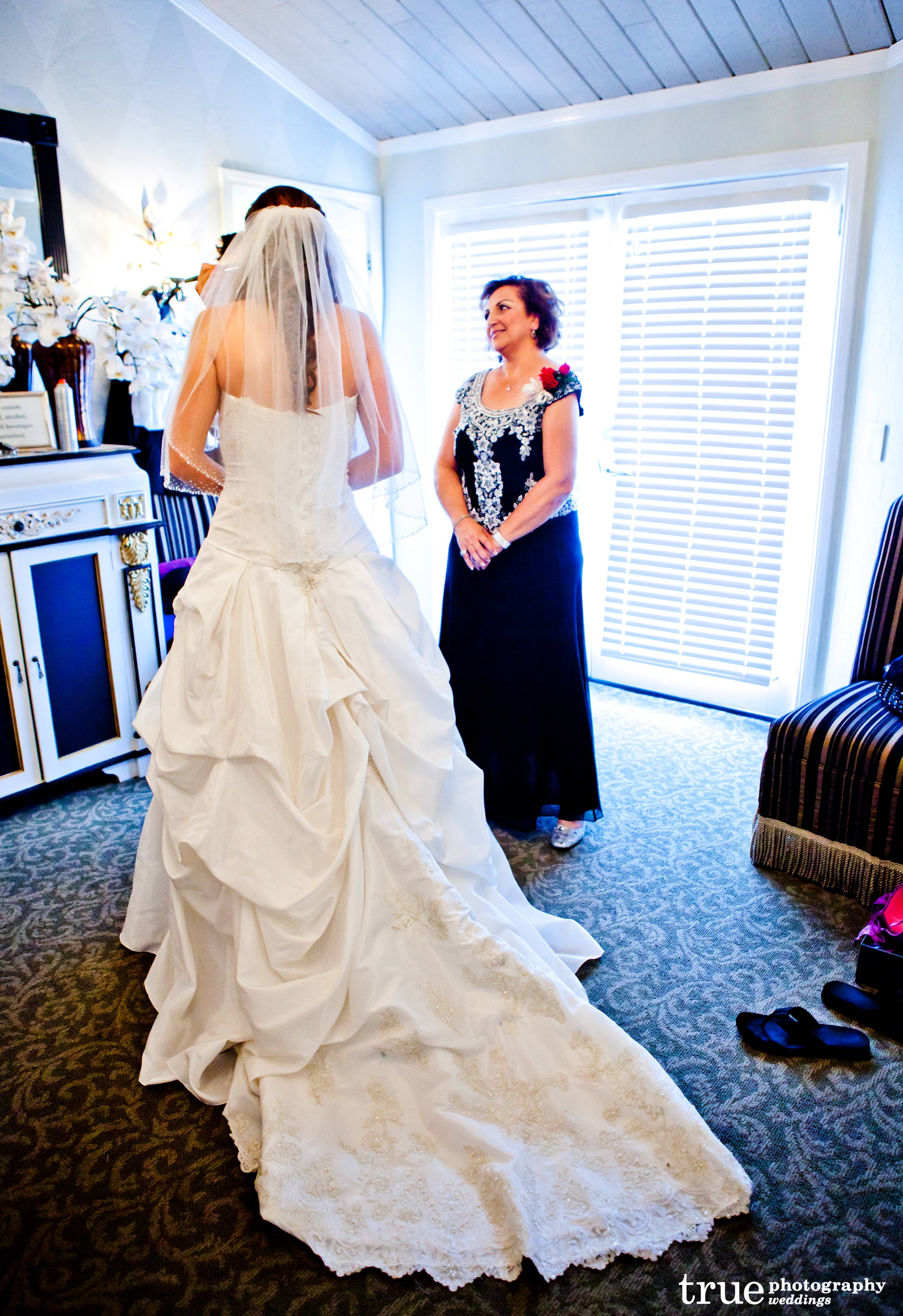 Designer wedding gowns for the savvy bride to be for Cheap wedding dresses san diego