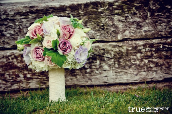 Wedding-flowers-bridal-bouquet-soft-colors