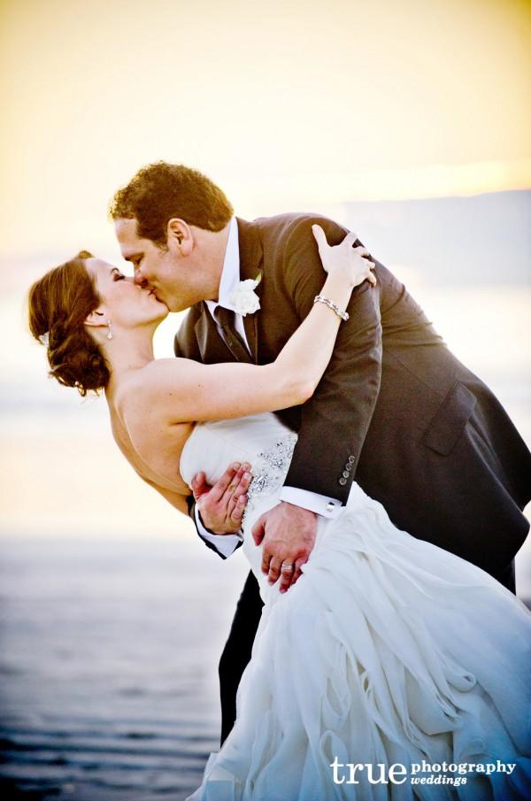 Sweet-Cheeks-Wedding-Cakes-at-Scripps-Seaside-Forum copy 2