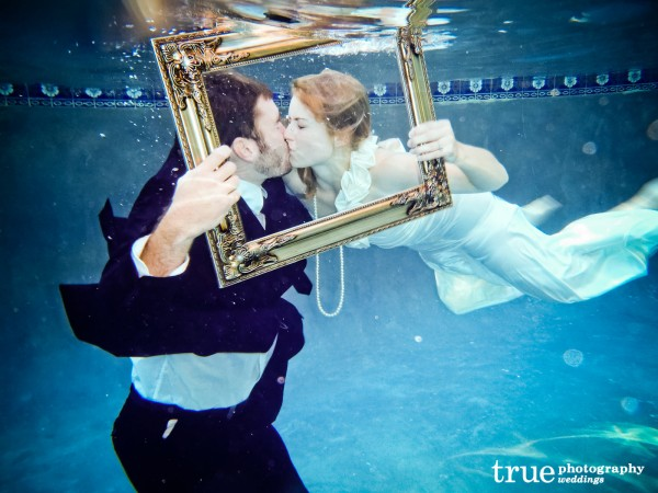 Underwater-wedding-photos