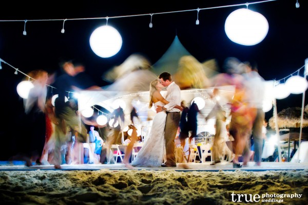 night-photography-at-beach-wedding