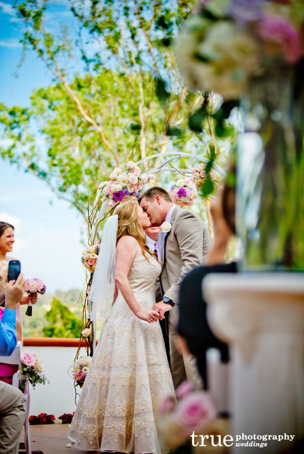 La-Costa-Resort-Wedding-Flowers-by-Moments-in-Bloom-
