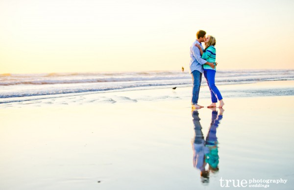 Engagment-shoot-in-San-Diego-at-the-beach