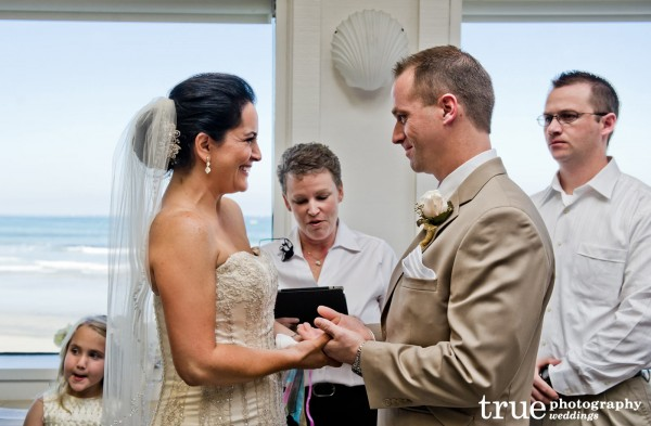 Marine-Room-Wedding-in-San-Diego-With-Ceremonies-By-Bethel-