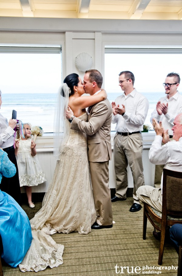 San-Diego-Beach-Wedding-with-Ceremonies-by-Bethel