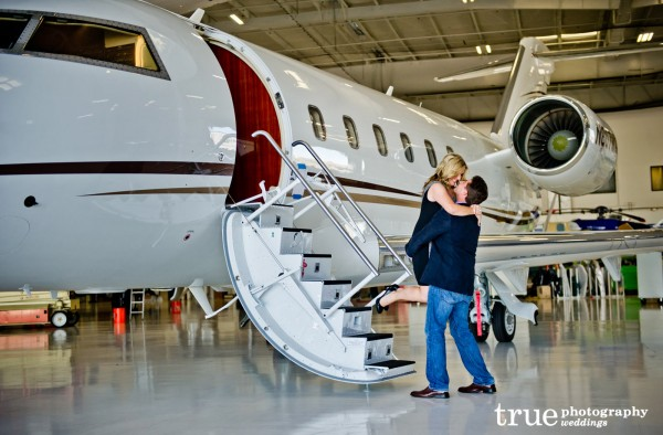 San-Diego-Engagement-Shoot-with-an-airplane-pilot