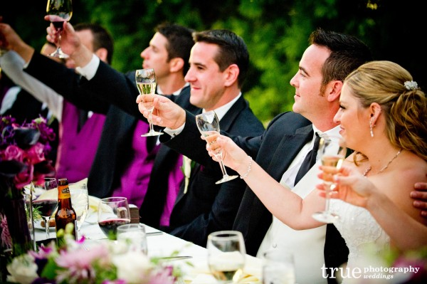 bridal-party-champagne-toast