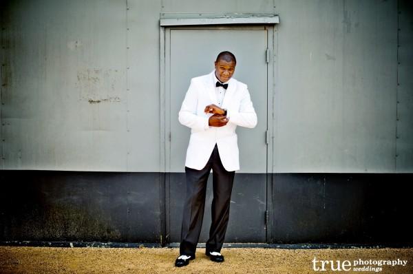 New-Orleans-Groom-Wedding-Attire