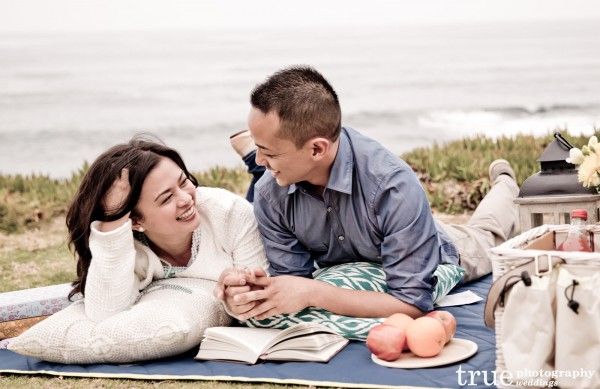 Picnic-Engagement-Shoot-in-La-Jolla-