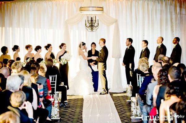 bride-groom-altar-wiping-tears