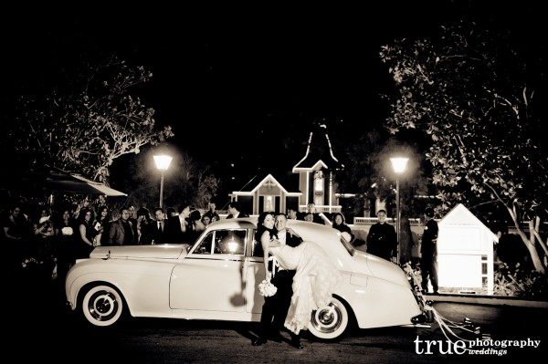 bride-groom-classic-car