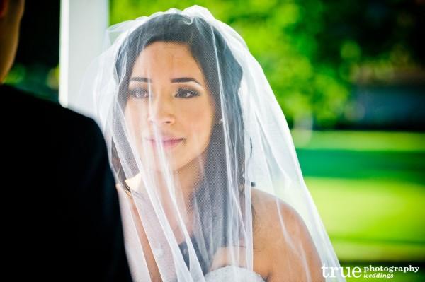 bride-veil-altar