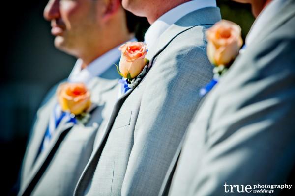 groomsmen-flowers-lapels