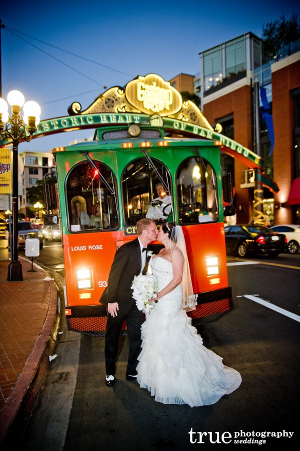 kiss-in-front-of-trolley-san-diego