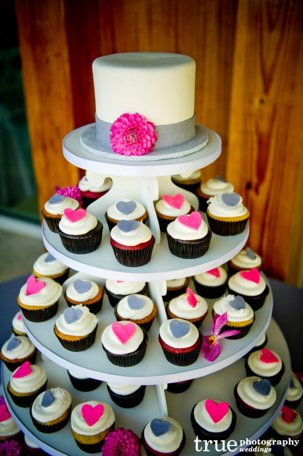 wedding-cupcake-tower