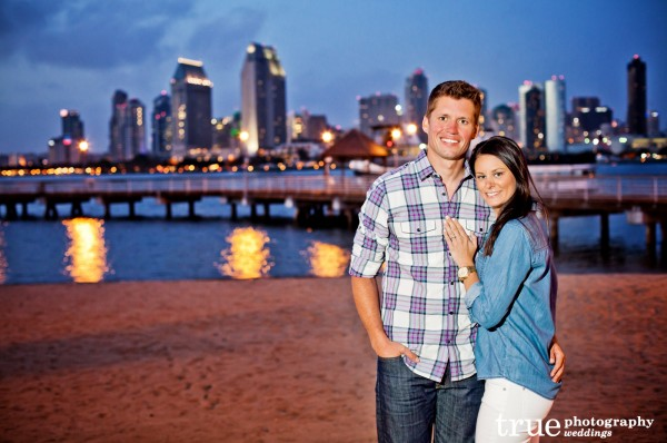 Engagement-Photo-Shoot-with-San-Diego-Skyline