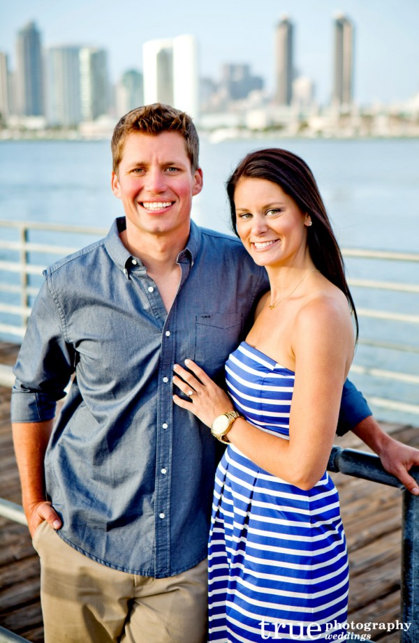 Engagement-Shoot-on-the-beach-in-Coronado