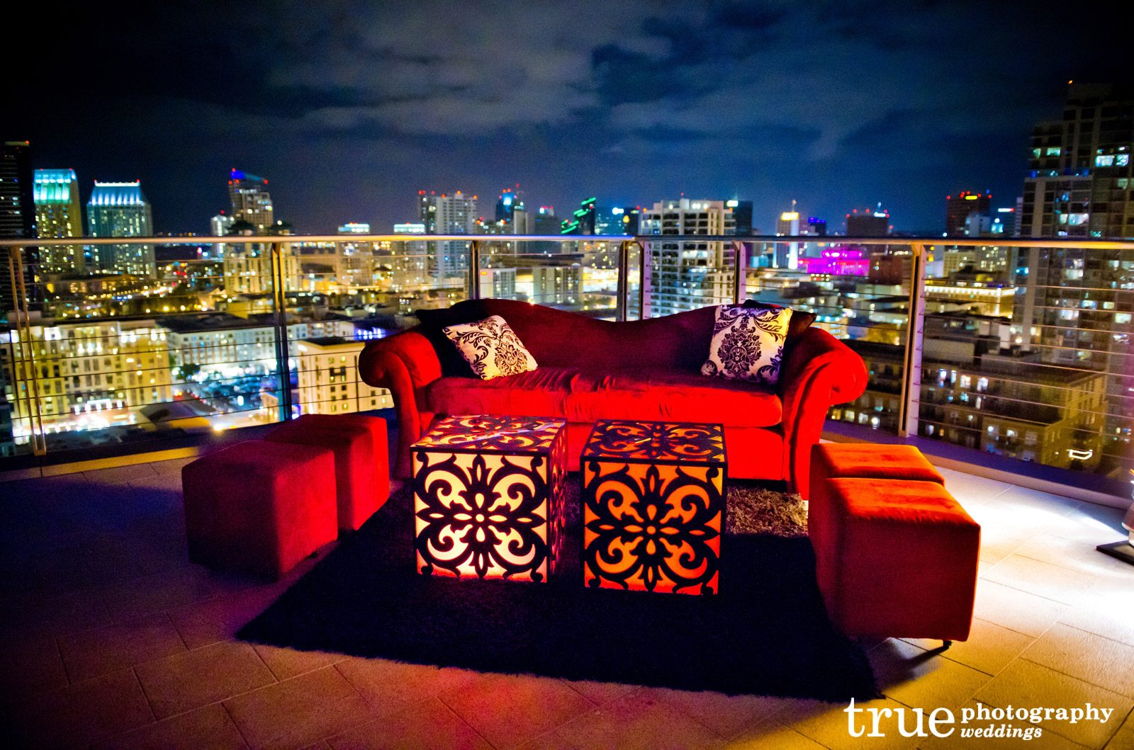 mod wedding decor lounge appeal furniture rentals wedding decoration rentals Red Couch Rented by Lounge Appeal for San Diego Wedding