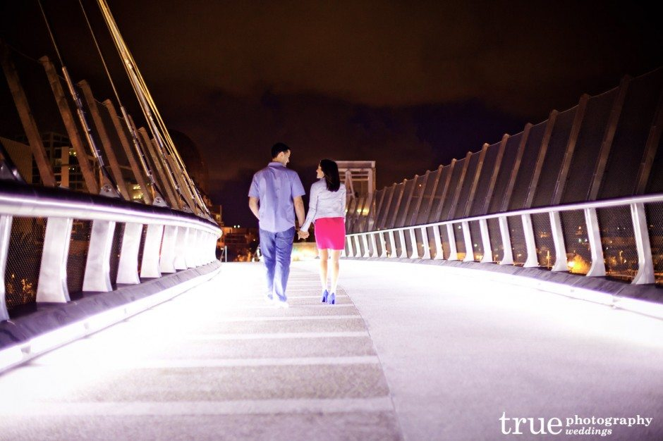 San-Diego-engagement-photos-in-the-gaslamp-