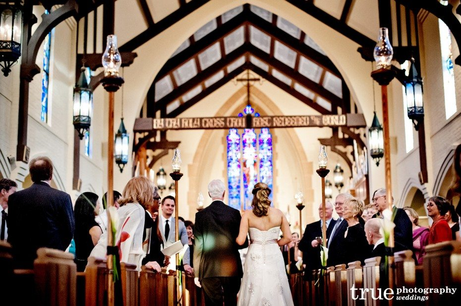 bride-father-walk-down-aisle