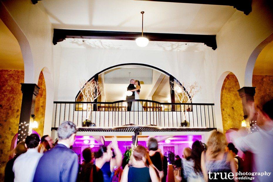 bride-groom-balcony