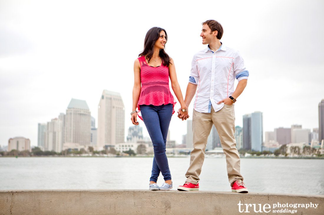 San-Diego-engagement-photos-against-skyline
