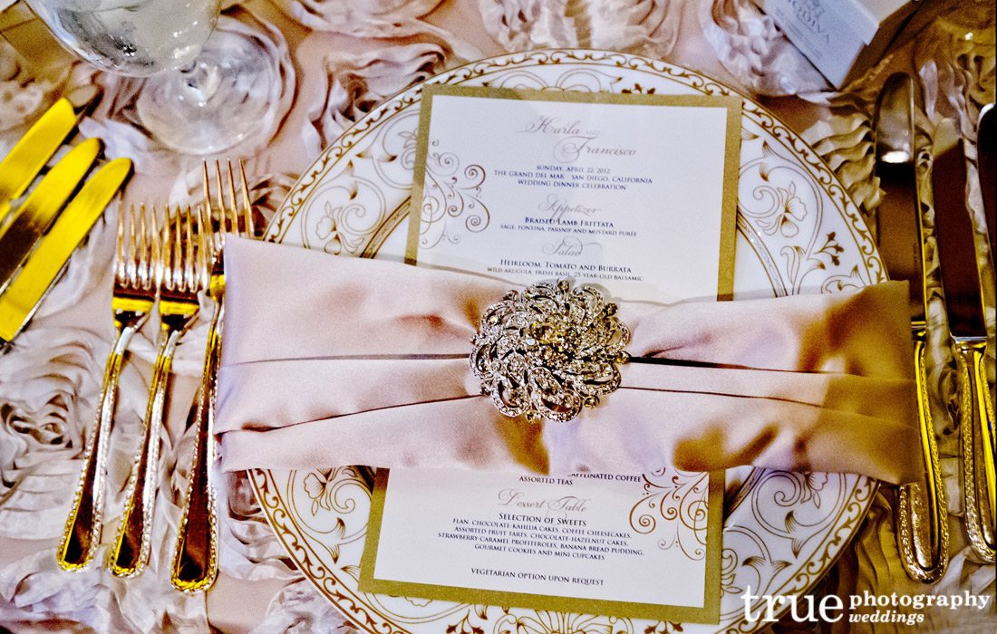 Tablescape-at-wedding
