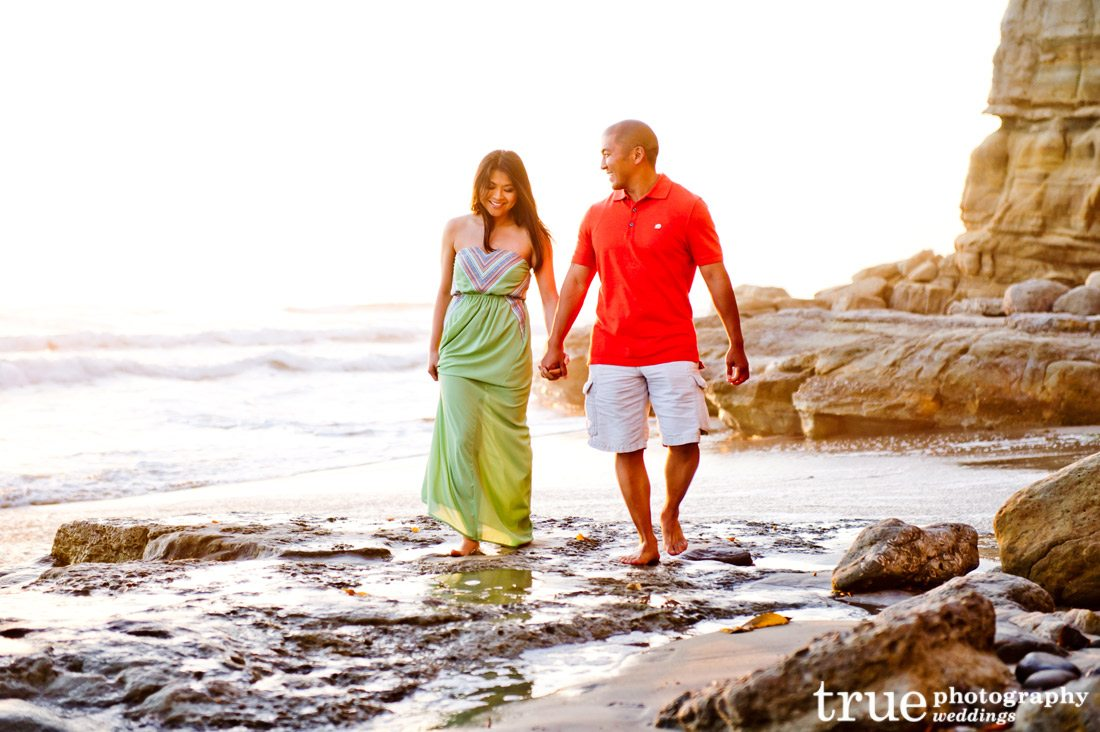 Walking-on-the-beach-engagement-shoot