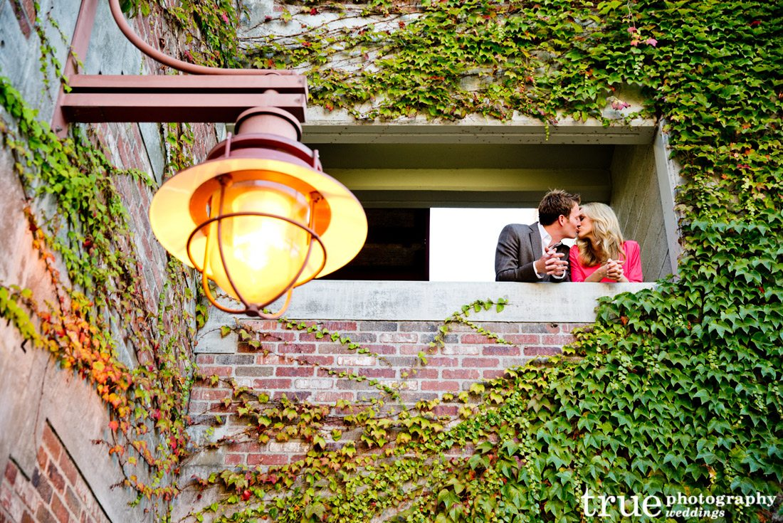 Engagement-shoot-with-bricks-and-vines