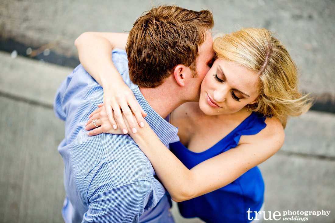 Romantic-engagement-photo-