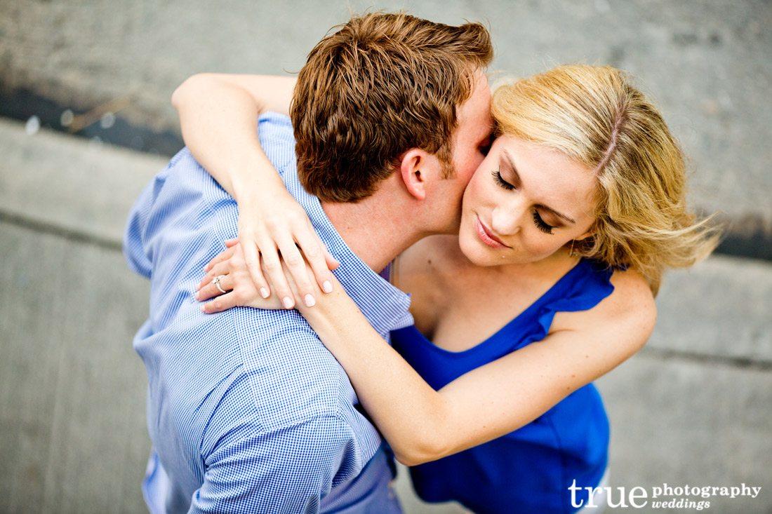 Romantic-engagement-photo-