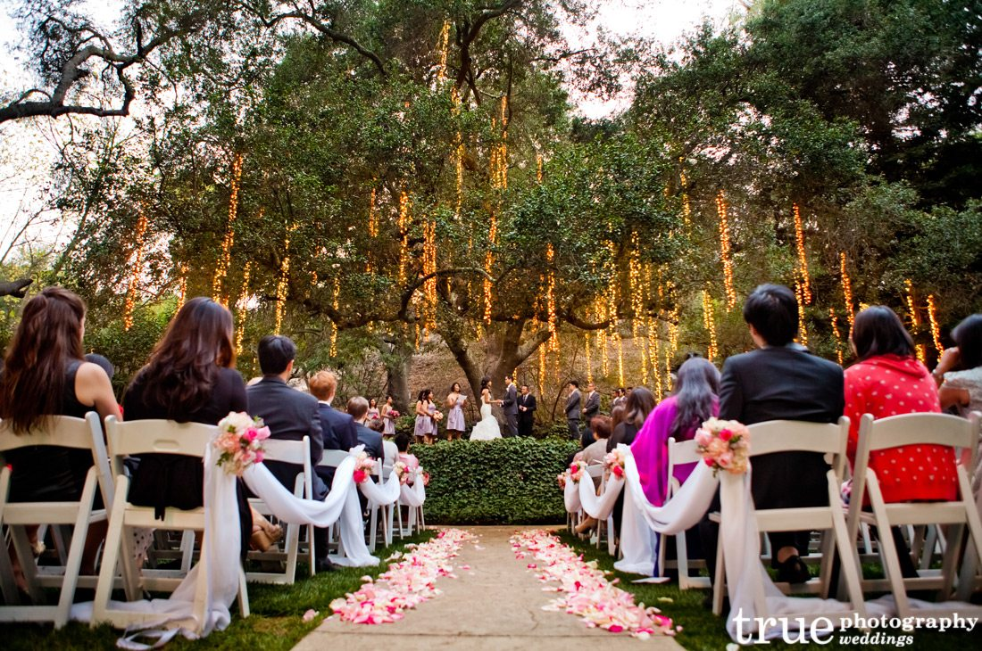 ceremony-with-cool-lights