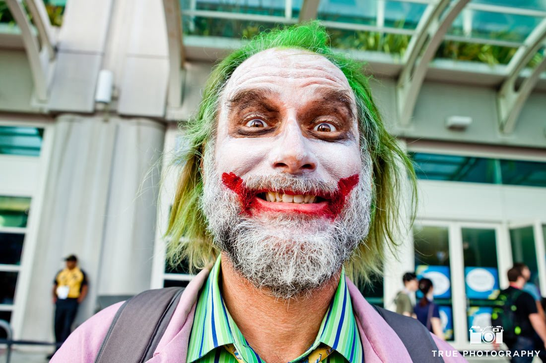 comic-con 2014 smiling joker costume
