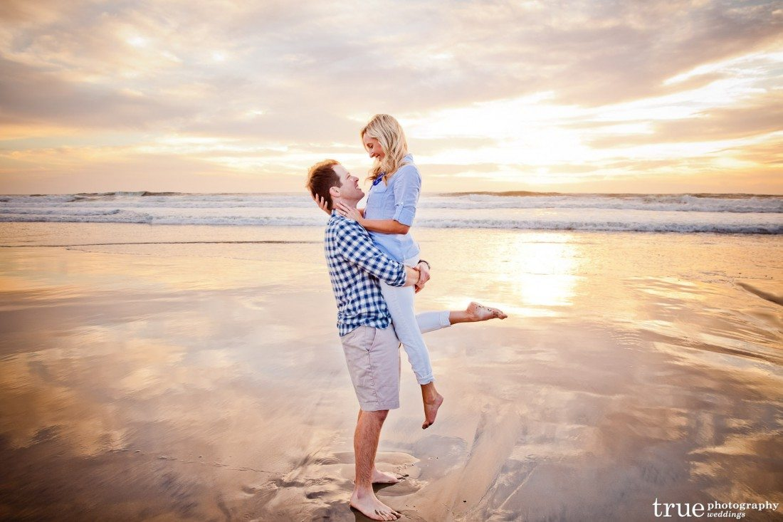 Engagement on beach Ashlee_Jeff