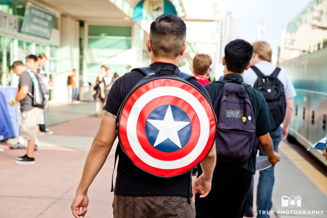 captain america backpack comic-con 2014