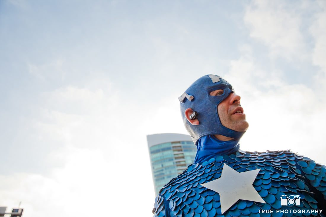 Comic-con 2014 captain america looking skyward costume