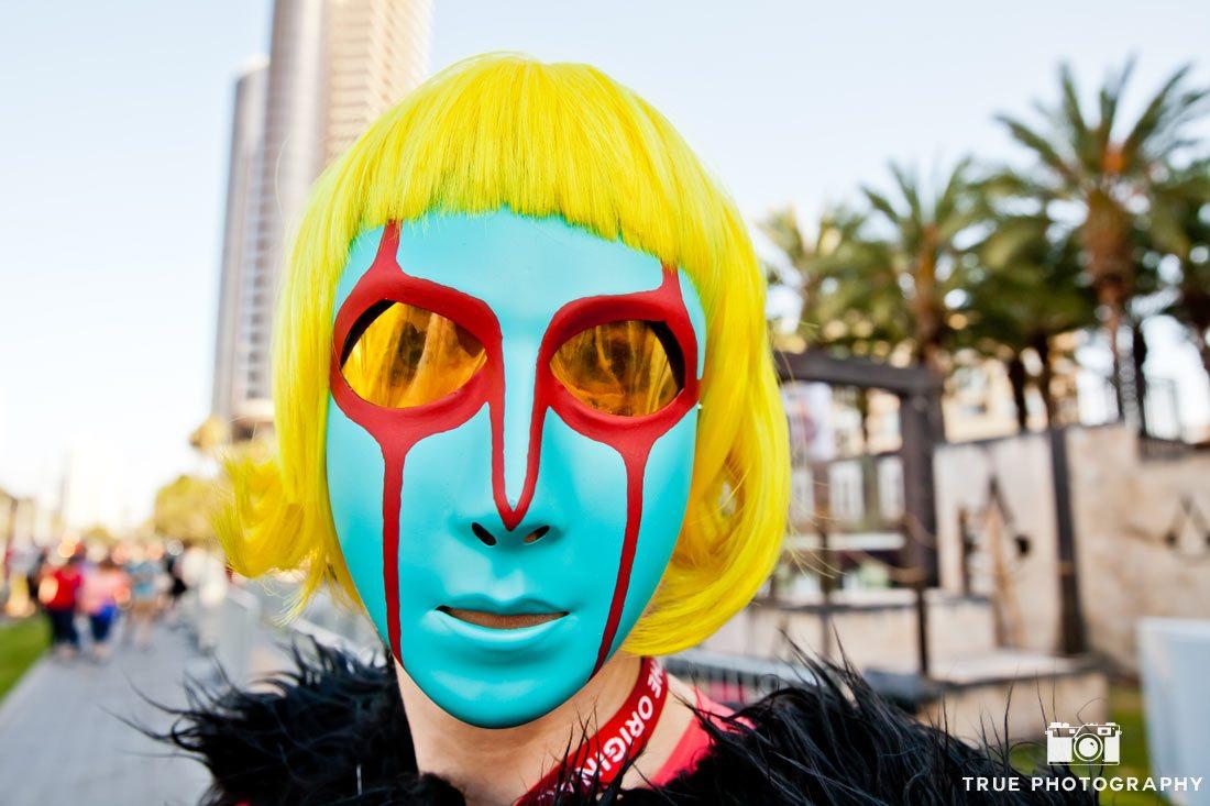 cool mask comic-con 2014 yellow hair