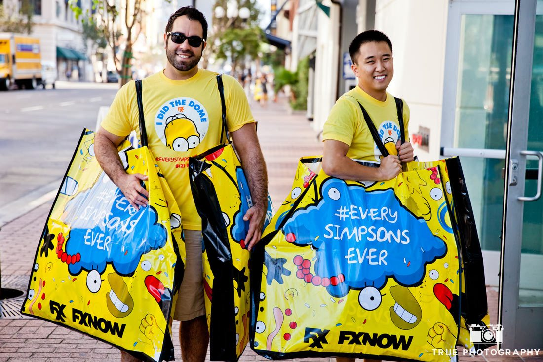 Comic-con 2014 oversized simpsons marathon promo bags