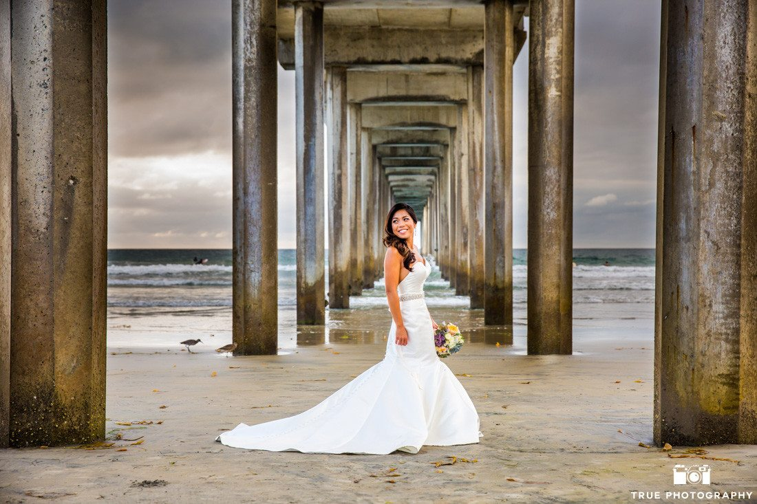 Bride photo at Scripps Pier