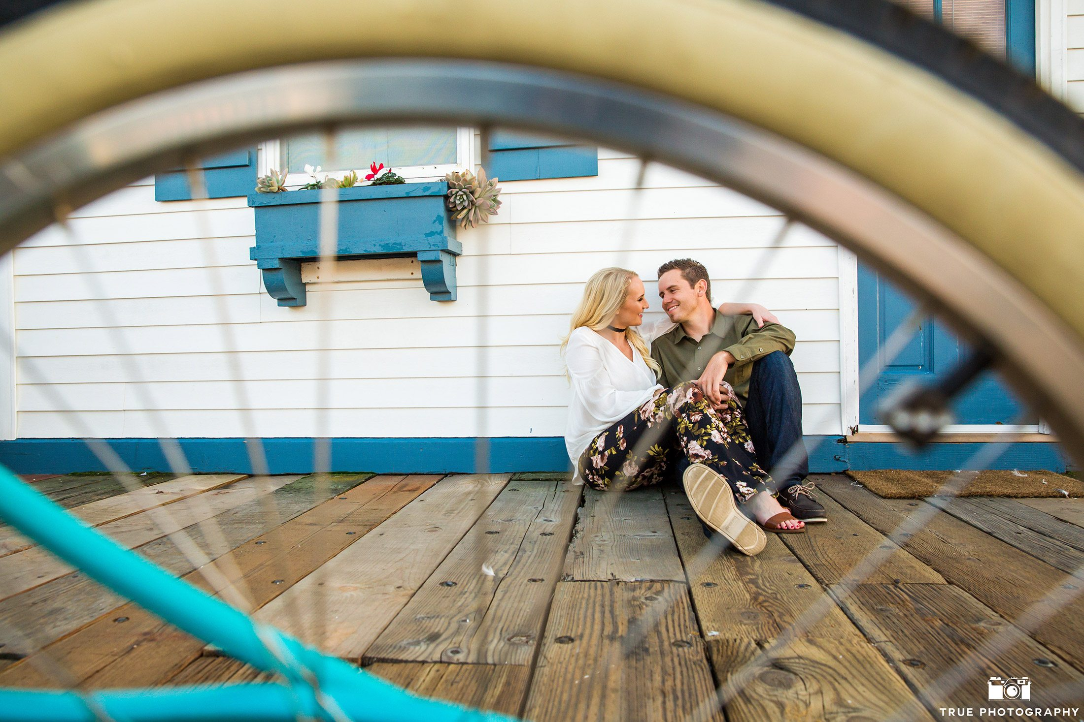 Engagement photo on Crystal Pier