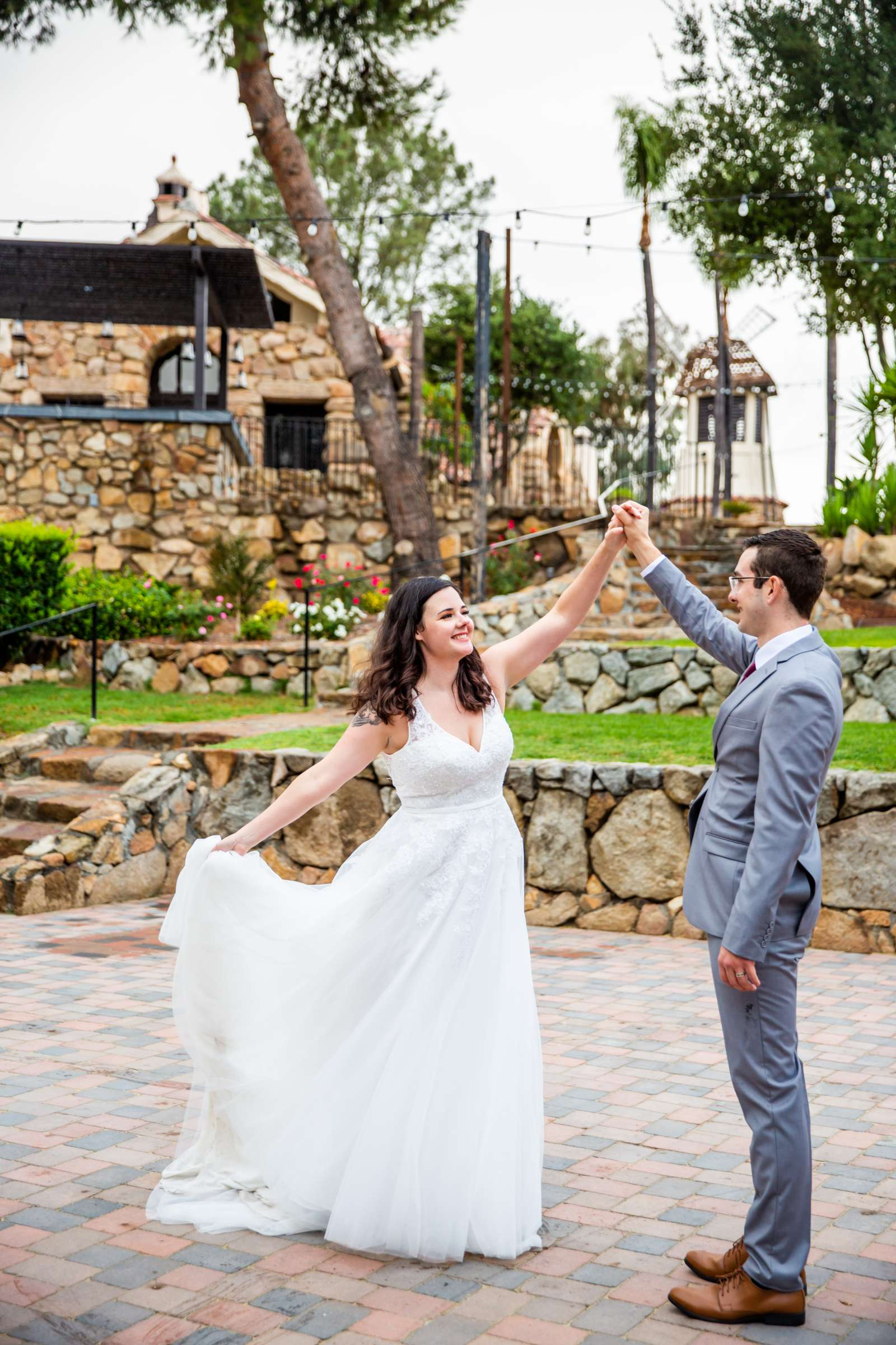Mt Woodson Castle Wedding, Valerie and Ian Wedding Photo #4 by True Photography