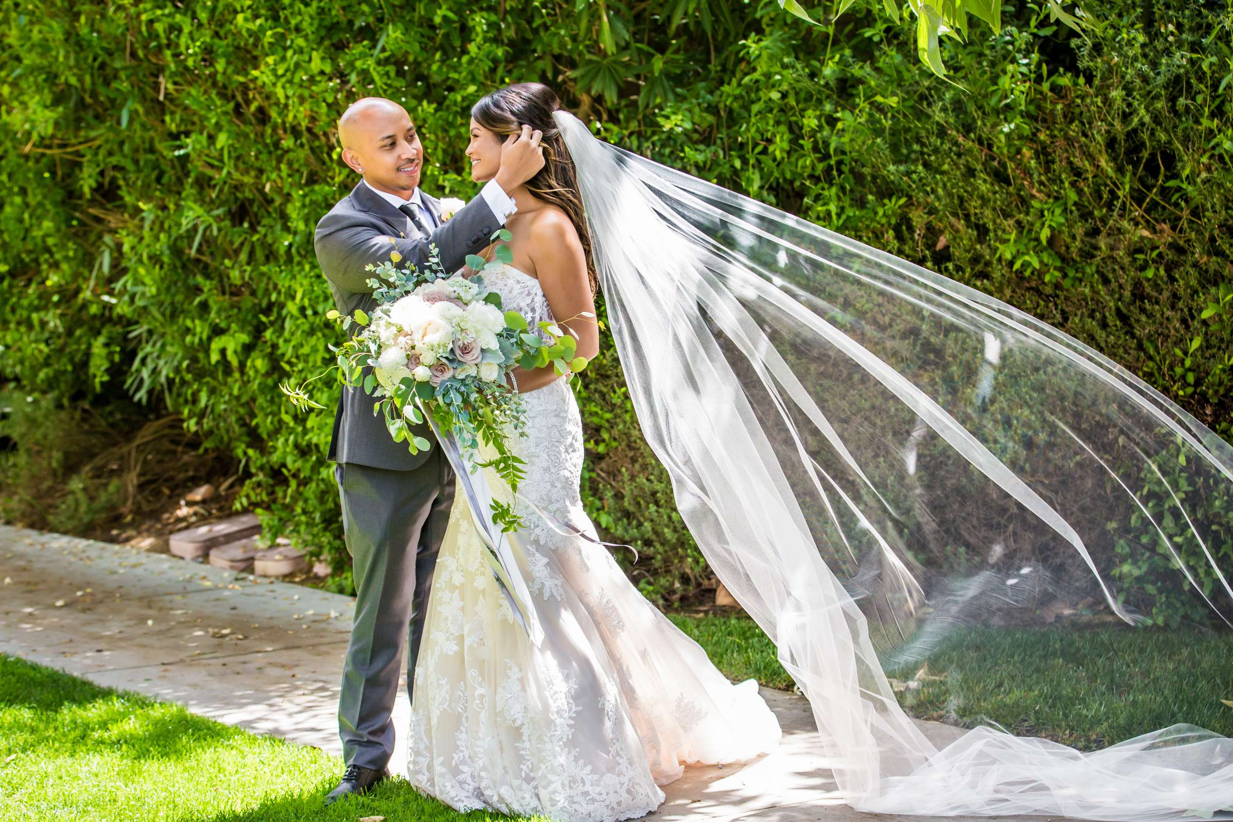 Scripps Seaside Forum Wedding coordinated by Lavish Weddings, Cindy and Justin Wedding Photo #381805 by True Photography