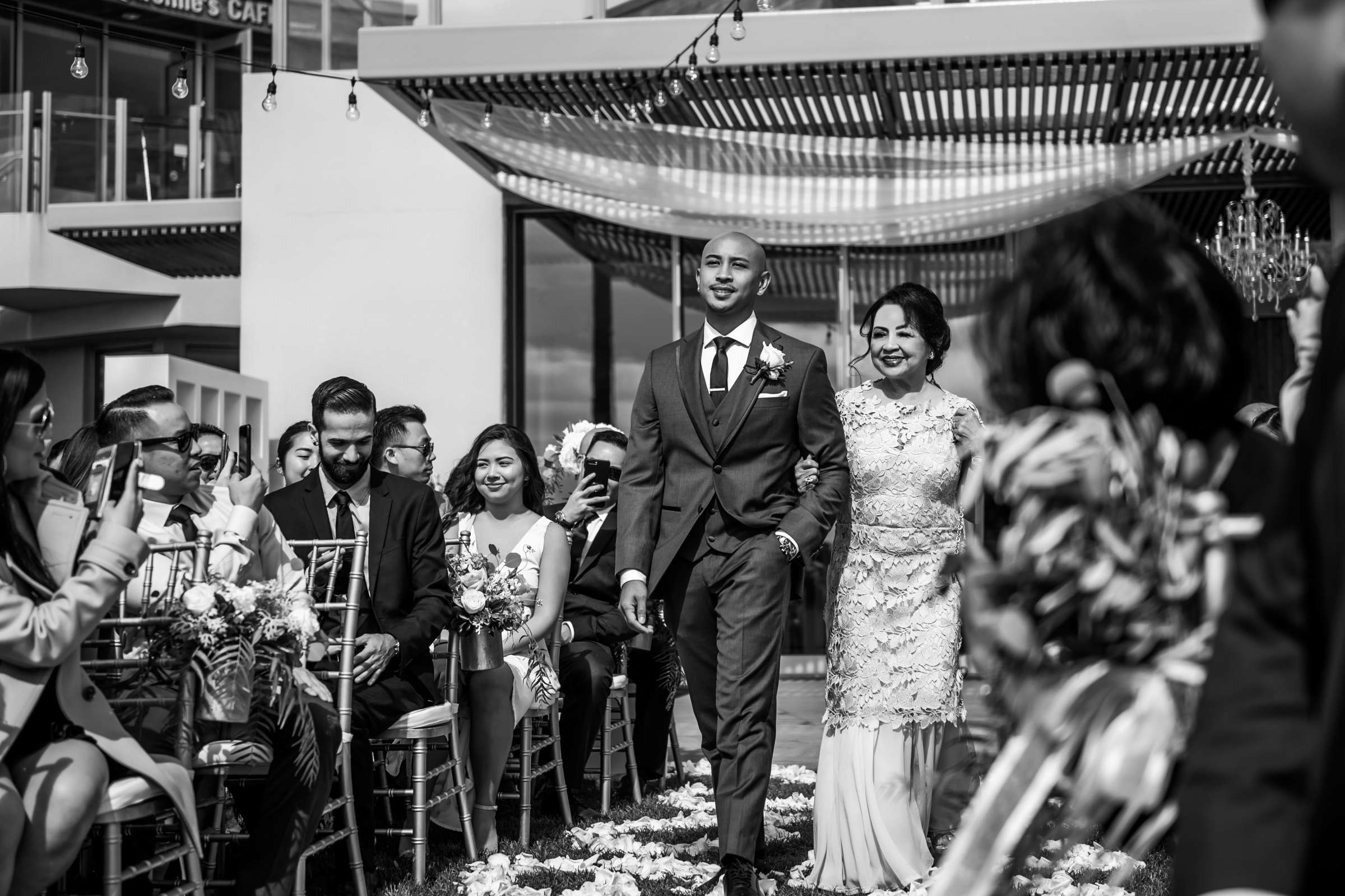 Scripps Seaside Forum Wedding coordinated by Lavish Weddings, Cindy and Justin Wedding Photo #381810 by True Photography