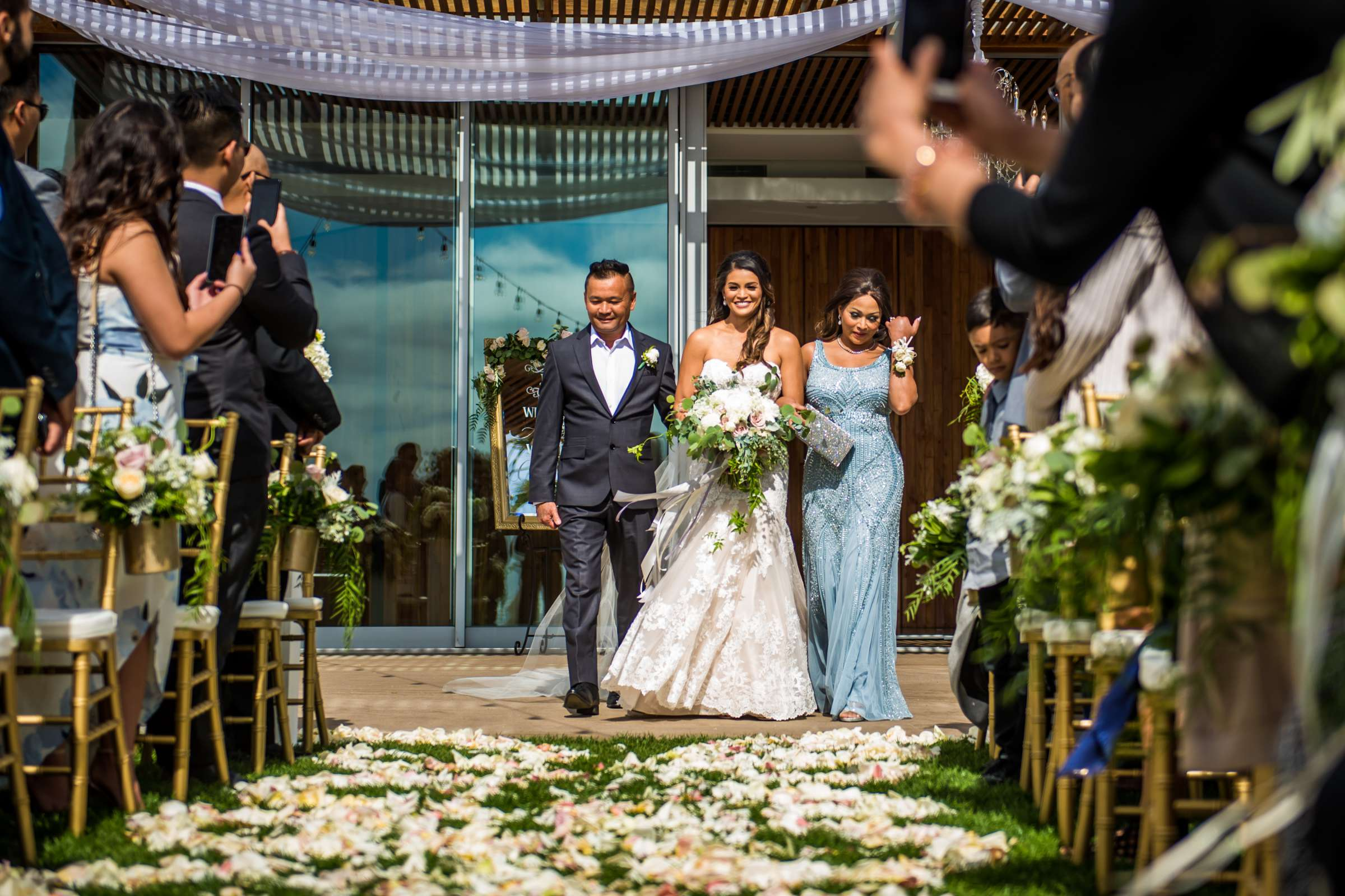 Scripps Seaside Forum Wedding coordinated by Lavish Weddings, Cindy and Justin Wedding Photo #381816 by True Photography