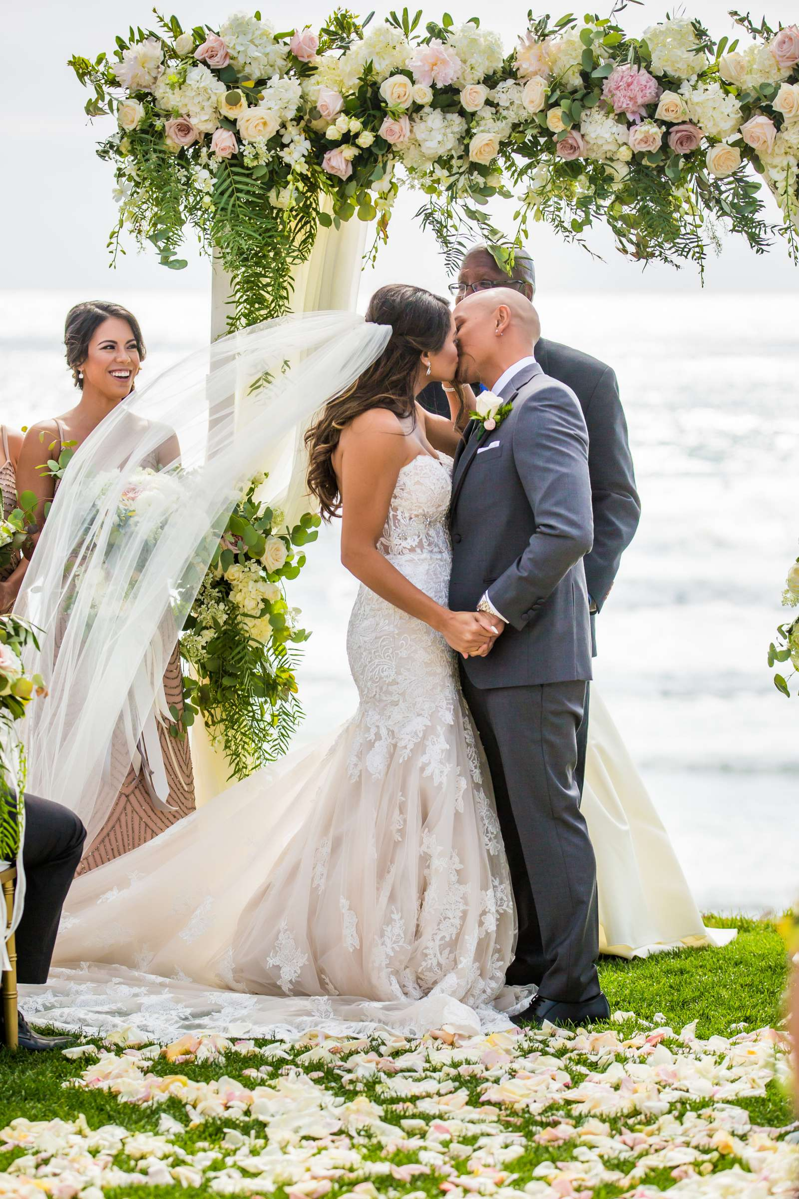 Scripps Seaside Forum Wedding coordinated by Lavish Weddings, Cindy and Justin Wedding Photo #381836 by True Photography